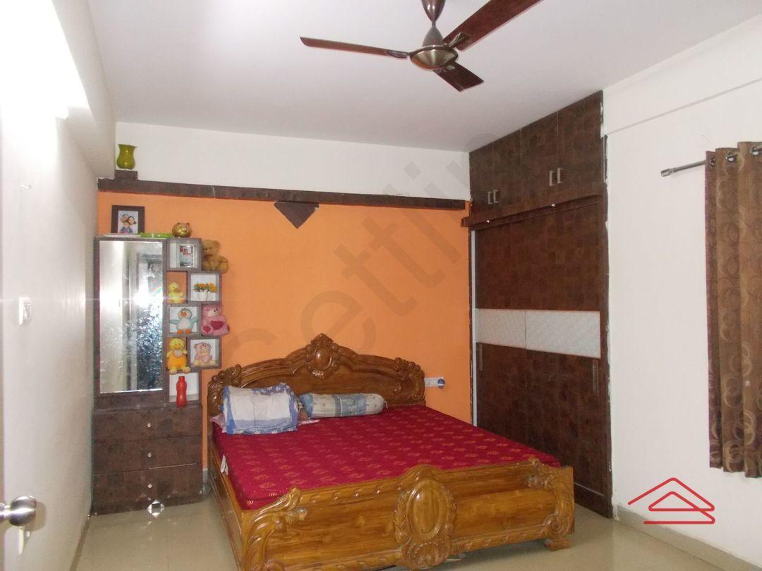 13M5U00102: Bedroom 1