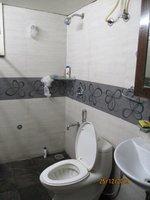 13DCU00392: Bathroom 3
