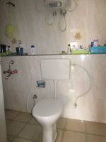 13J7U00036: Bathroom 1