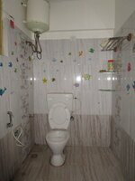 15J1U00195: Bathroom 2