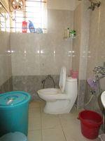 13M5U00363: Bathroom 2