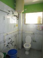 13M5U00499: Bathroom 1