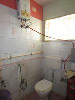 13M5U00499: Bathroom 2