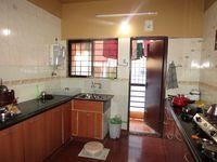 13M5U00499: Kitchen 1