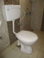 10A8U00174: Bathroom 1