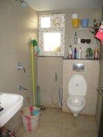 15F2U00346: Bathroom 1
