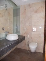 14A4U00898: Bathroom 1