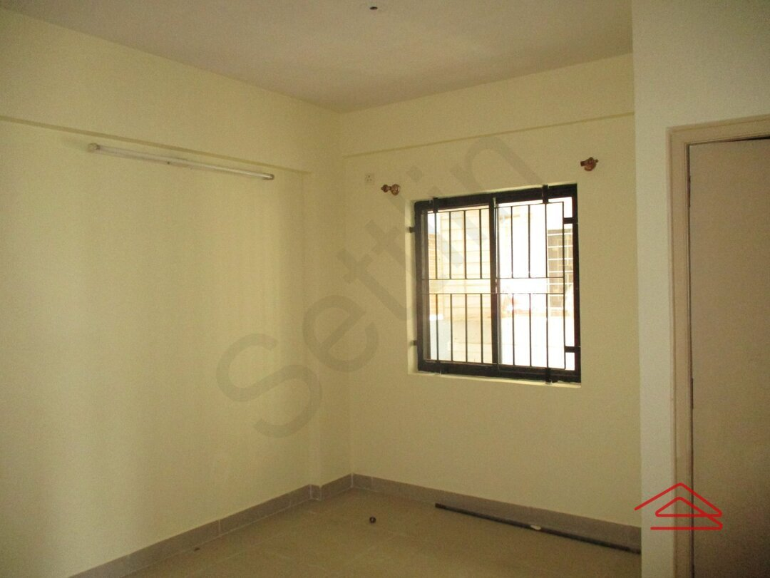 15M3U00092: Bedroom 1