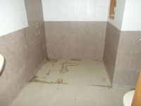 13J6U00027: Bathroom 4