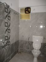 11DCU00391: Bathroom 2