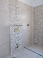 13J6U00497: Bathroom 4