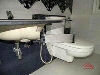 15S9U00795: Bathroom 1