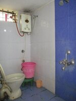 15J7U00126: Bathroom 1