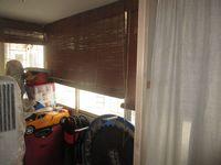 11NBU00130: Balcony 4