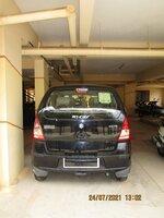 15J7U00411: parkings 1