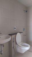 11OAU00197: Bathroom 2