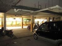 210: parking 1