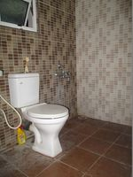 D101: Bathroom 2