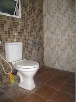 10A8U00155: Bathroom 2