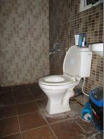 D101: Bathroom 1