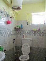 15J7U00425: Bathroom 2