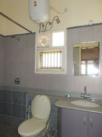 13F2U00297: Bathroom 3