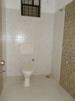 13J1U00280: Bathroom 2