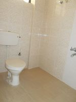 13J1U00280: Bathroom 1