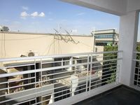 13M5U00688: Balcony 1
