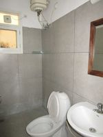 13M5U00688: Bathroom 5