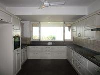 13M5U00688: Kitchen 1