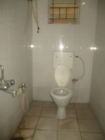 13M5U00207: Bathroom 2