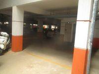 13M5U00207: parking 1