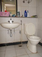 13DCU00456: Bathroom 2