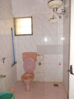 13M5U00057: Bathroom 2