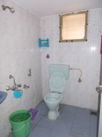 13M5U00057: Bathroom 1