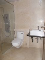 13M5U00073: Bathroom 1