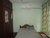 15S9U00390: Bedroom 1
