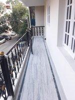 14A8U00013: balconies 1