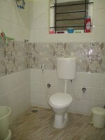 15J1U00024: Bathroom 2