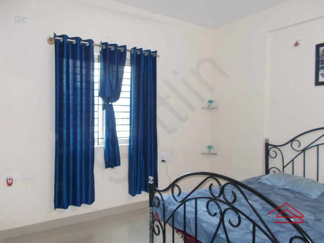 13J7U00439: Bedroom 1