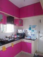 13J7U00439: Kitchen 1