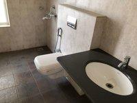 13DCU00082: Bathroom 2