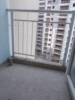 13M5U00544: Balcony 1