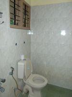 11DCU00300: Bathroom 2