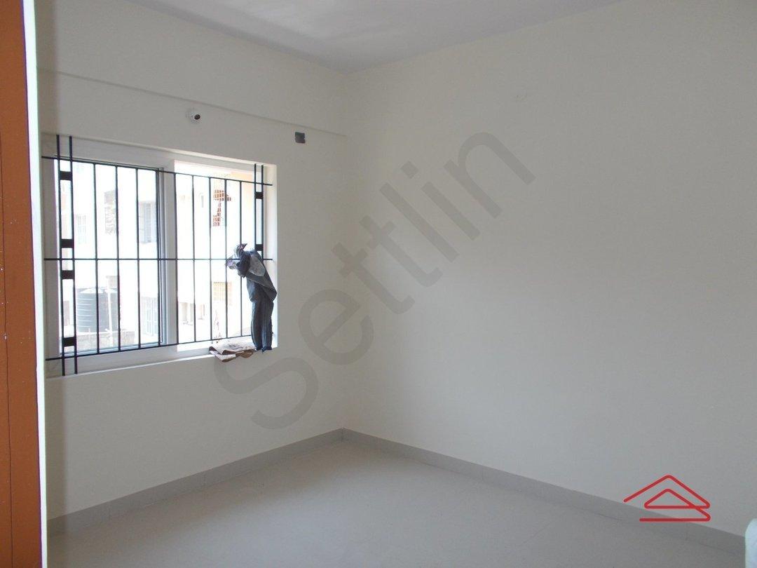 14M3U00205: Bedroom 1