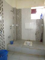 13J6U00139: Bathroom 2