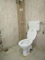 13J6U00139: Bathroom 1