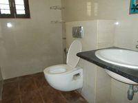 12J6U00330: Bathroom 1