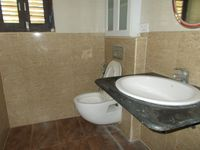 12J6U00330: Bathroom 4